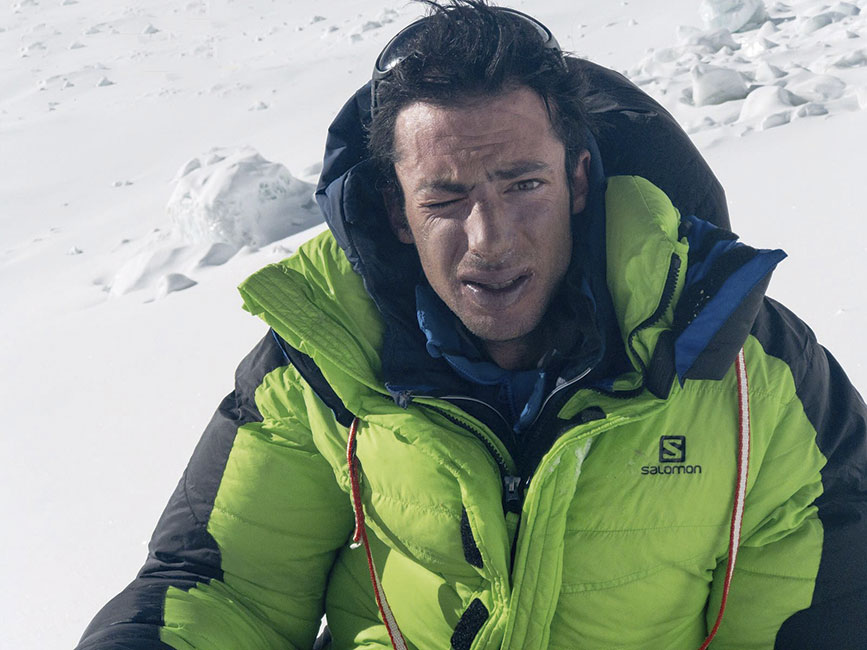 Kilian Jornet vuelve al Campamento tras su segunda cumbre al Everest