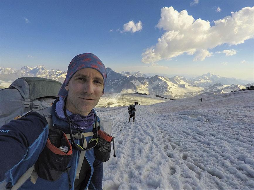Avanzando sobre el glaciar-en 4000 msnm
