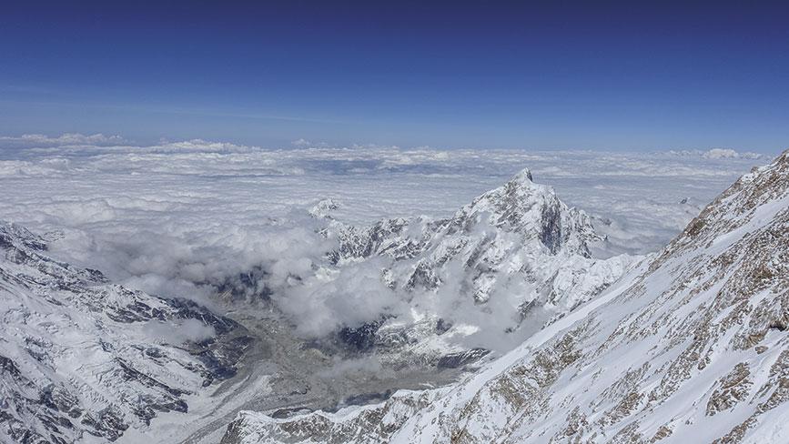 Cumbre del Kanchenjunga con vista al annu