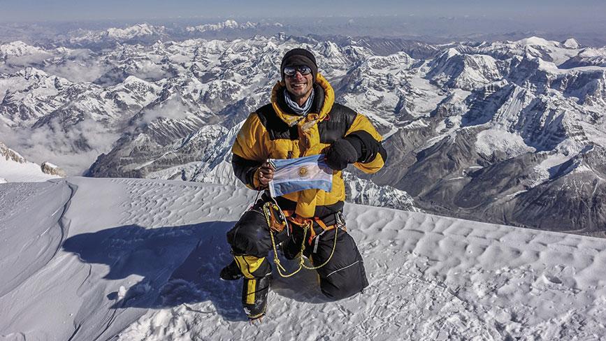 Alta en el cielo, cumbre del Kanchenjunga 8586 msnm