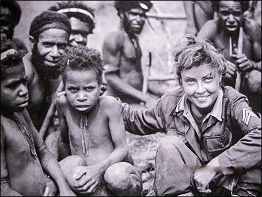 La belleza de Hasting, mujer sobreviviente, llamó la atención de los medios. Pertenecía a la primera generación de mujeres que sirvieron en el ejército de EEUU