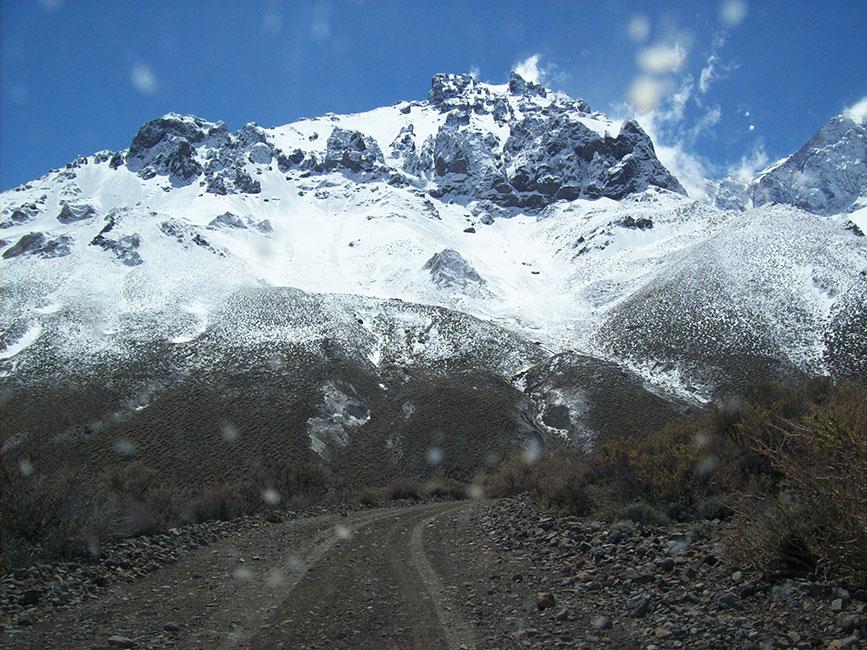 Cerro Sosneado desde la ruta hacia el Hotel abondonado